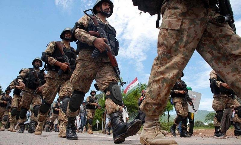 Six killed, 250 injured, Pakistan Army summoned to control Islamabad situation