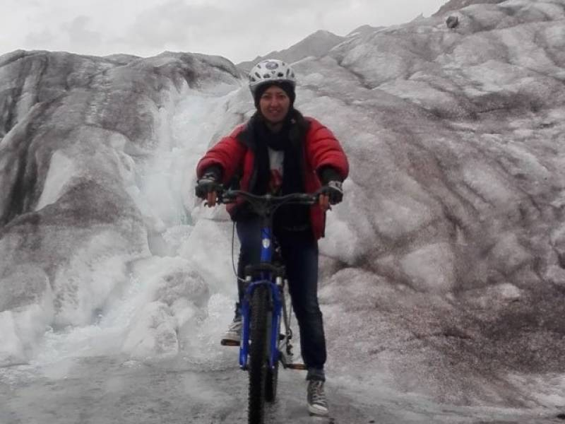 Pakistani cyclist becomes first woman to scale Africa's highest mountain