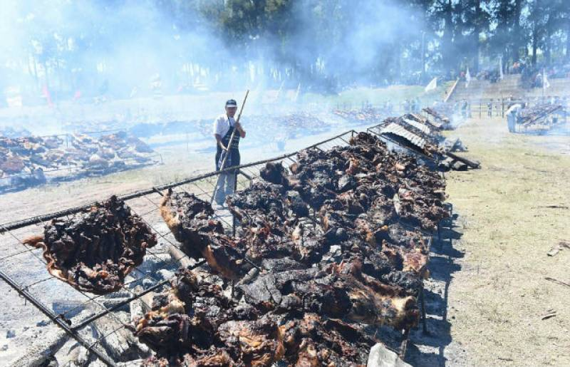 Uruguay sets Guinness world record with biggest ever barbecue