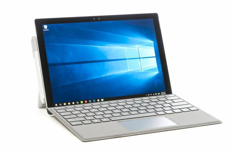 Low-priced long-battery laptops with mobile specs may be a huge hit