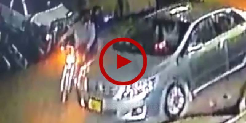 Robbers filmed snatching valuables from car in Karachi