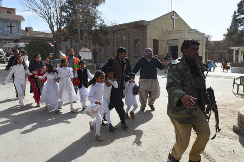At least 9 dead, 40 injured after suicide bombers storm Quetta church (VIDEO)