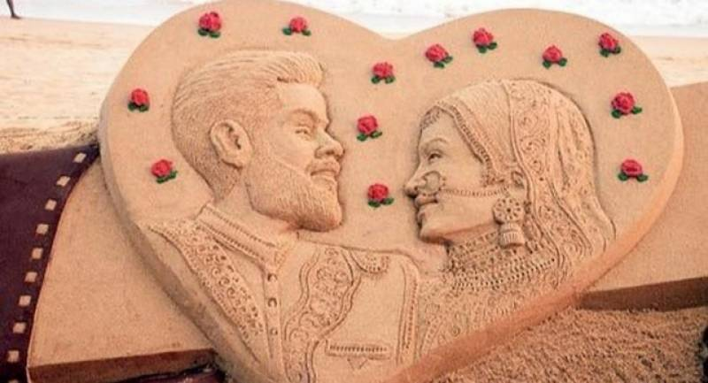 Indian sand artist wishes Virushka in his own special way