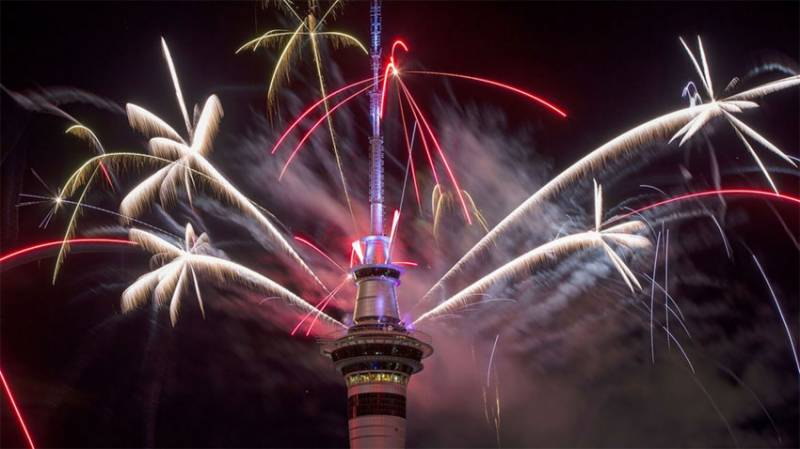 Welcome 2018: New Year celebrations kick off from New Zealand with amazing fireworks (VIDEOS)