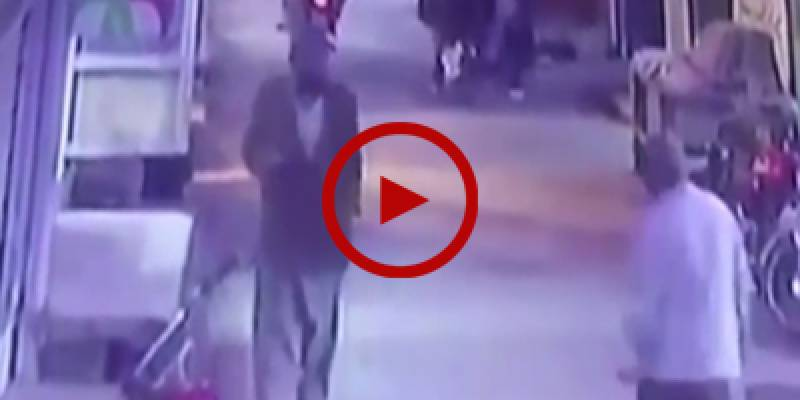 This video might prove a smoking gun for police to track Zainab's killer