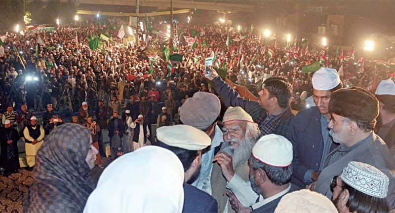 Pir Sialvi gives seven days deadline for imposition of Sharia in country