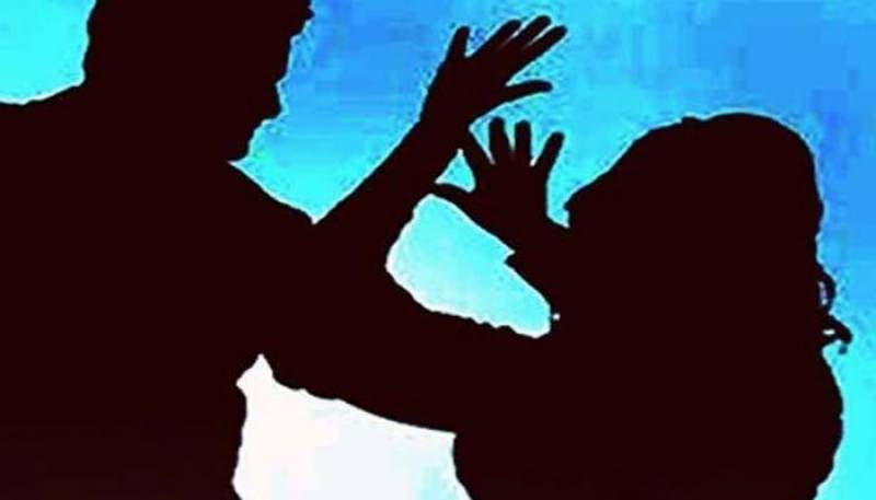 Peasant's 13-year-old daughter 'gang-raped' in Dadu