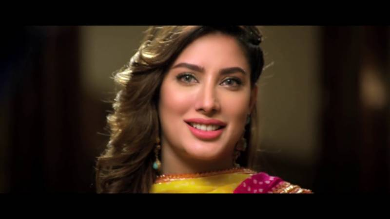 Mehwish Hayat - Women's clothing does not determine the amount of attention they gather