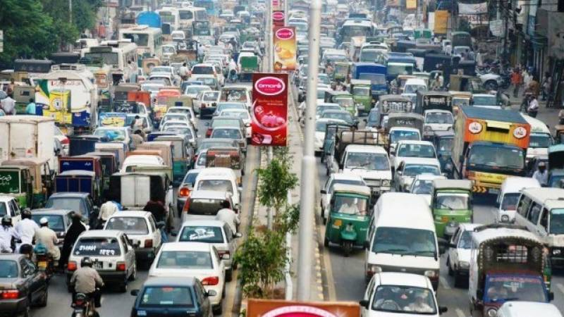 Worst traffic jam in Lahore as visually impaired people stage sit-in on Mall Road