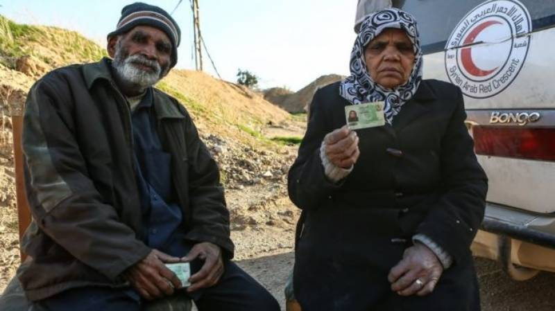 Pakistani couple leaves Syria's embattled Ghouta after seven years