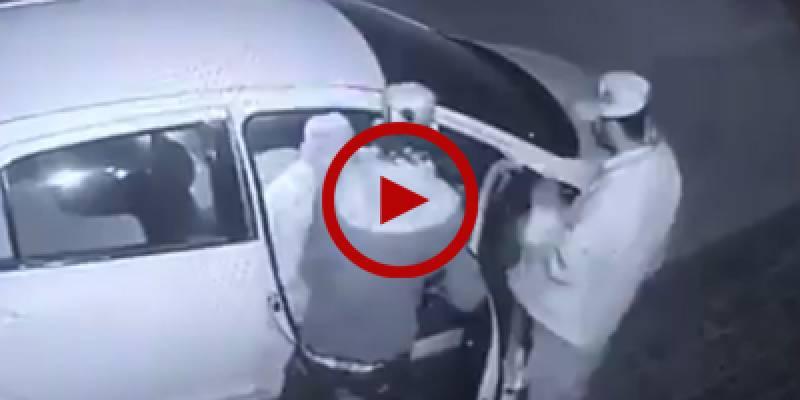 Senior citizen robbed on gun point in Karachi, CCTV footage released