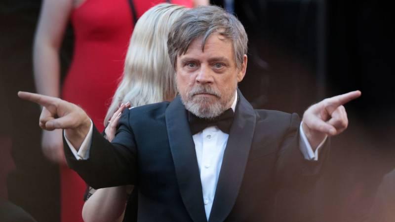 Star Wars actor Mark Hamill receives Hollywood Walk of Fame star