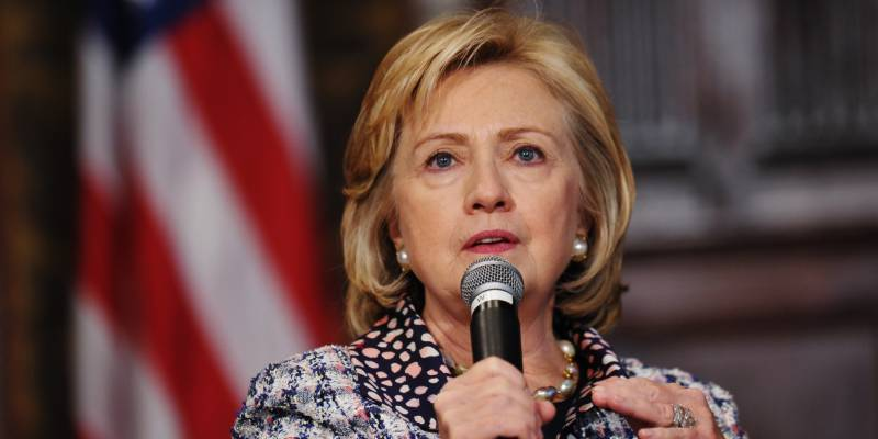 Pakistan playing negative role in countering cross-border terrorism, Hillary Clinton alleges in India tour