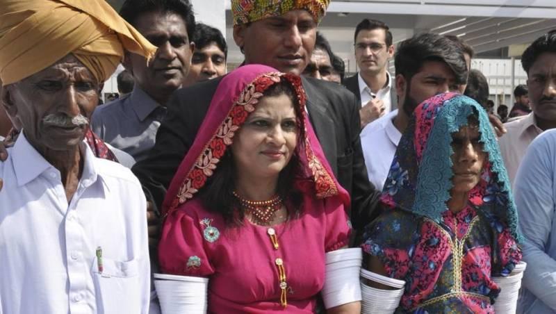 Pakistan's first-ever Hindu Dalit woman Senator sworn in (VIDEO)