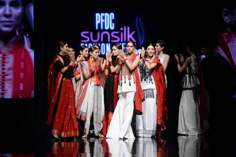 PFDC fashion show continues to amaze us, Day two ends with a bang