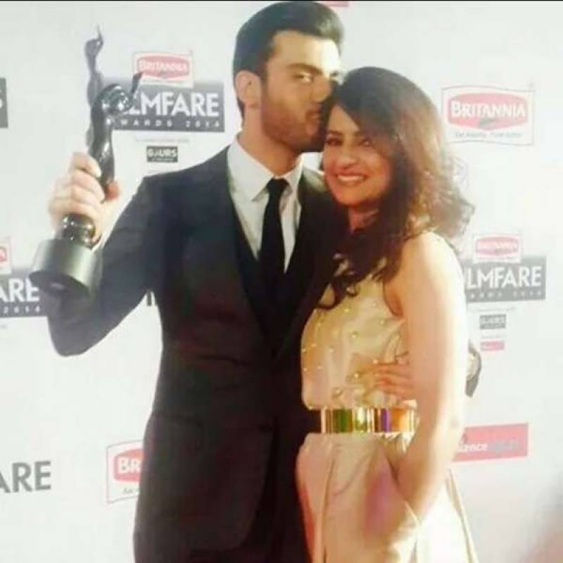 Fawad Khan presented withBest Cinematic Icon award at