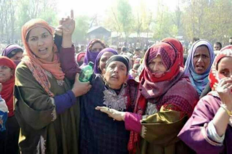 Indian forces kill 17, injure another 100 in occupied Kashmir