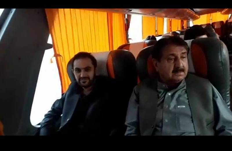 CM Balochistan Abdul Quddus Bizenjo skirts protocol, travels by bus to Islamabad
