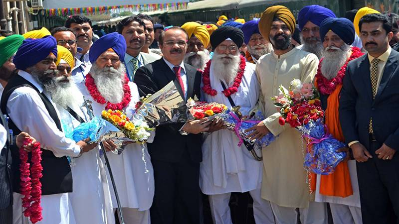 Thousands of Indian Sikhs arrive for Baisakhi festival in Pakistan