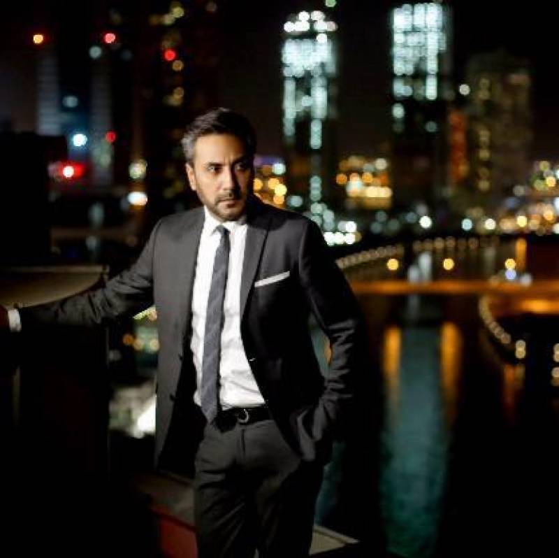 Adnan Siddiqui represents Pakistan at Fun Aur Funkaar festival in Singapore
