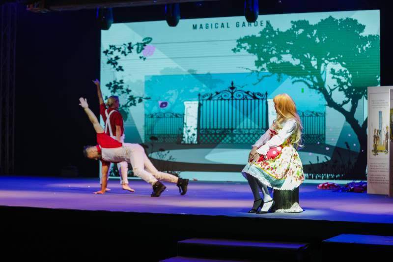 SCRF 2018: Alice in wonderland themed show delights children with dance, music and song