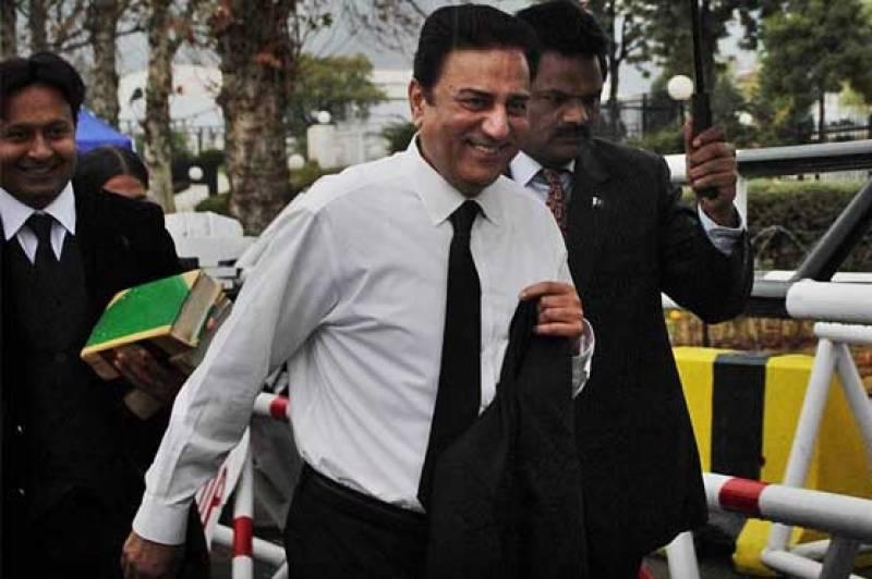 PTI's Naeem Bokhari suffers head injury in London