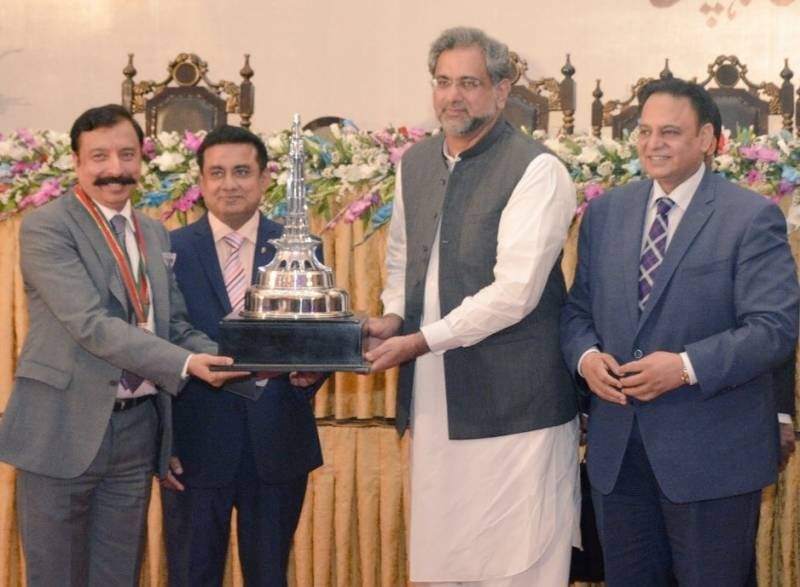 Well deserved 'Pride of Lahore award' is presented to Pakistan's most loved person