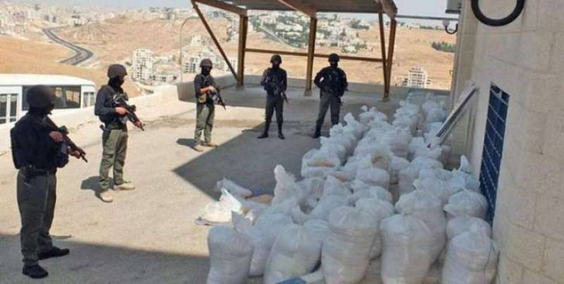 10 held as coast guards foils smuggling attempts