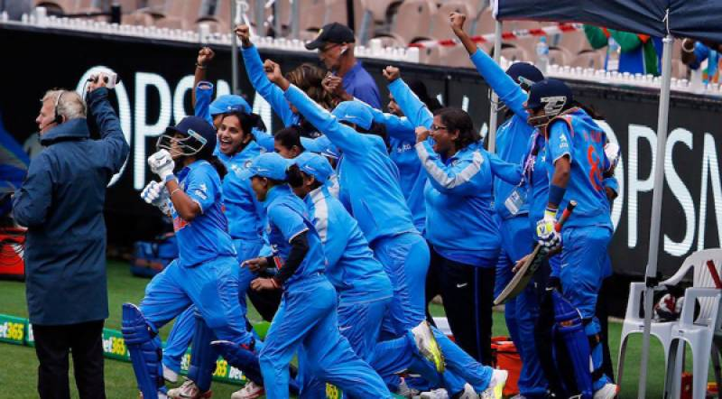 India trounce Pakistan to enter final of Women's T20 Asia Cup