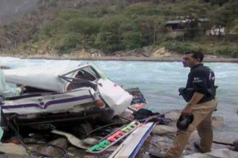 Nine dead, 5 injured as tourist bus falls into river in Swat