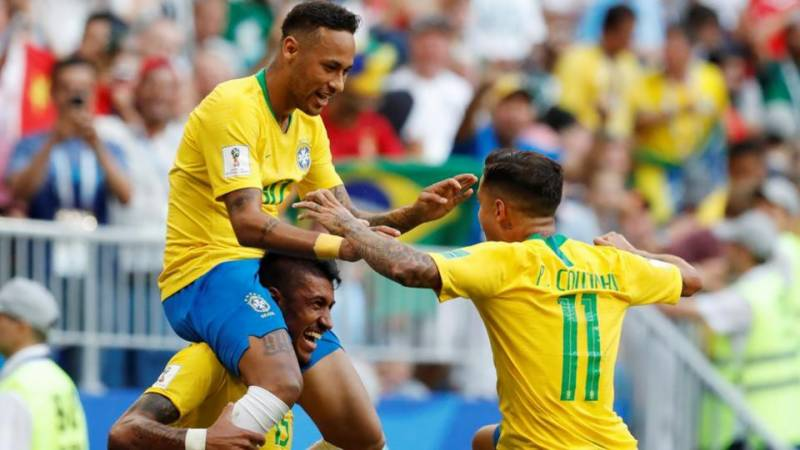 Brazil beat Mexico 2-0 to reach quarterfinals