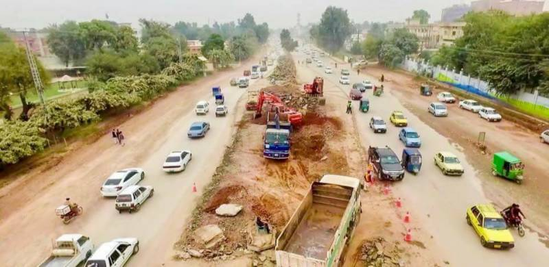Peshawar Metro Bus: NAB to probe alleged corruption, delay in multi-billion-rupee project
