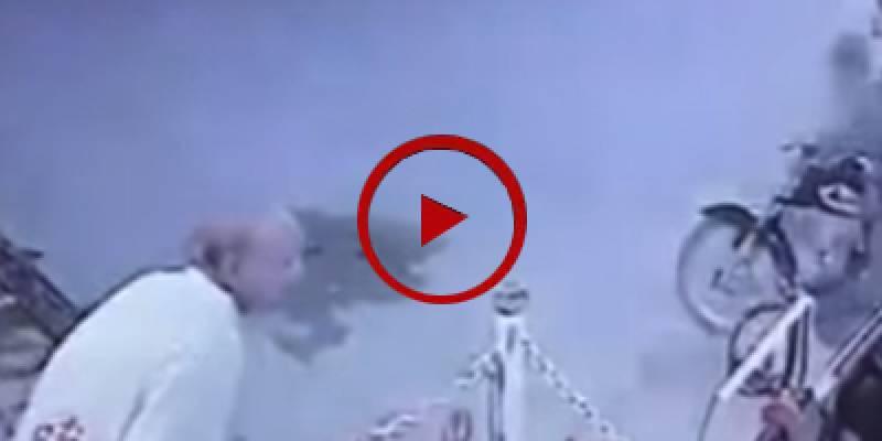 Valiant residents foiled a robbery bid in Karachi (VIDEO)