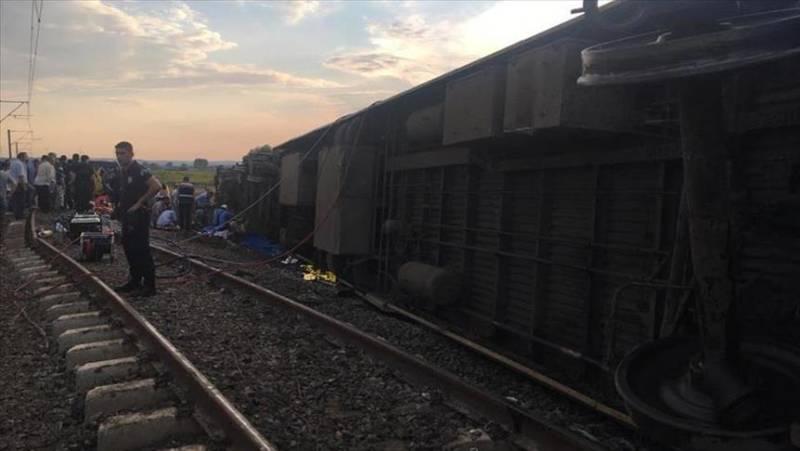 Death toll in Turkey train crash rises to 24