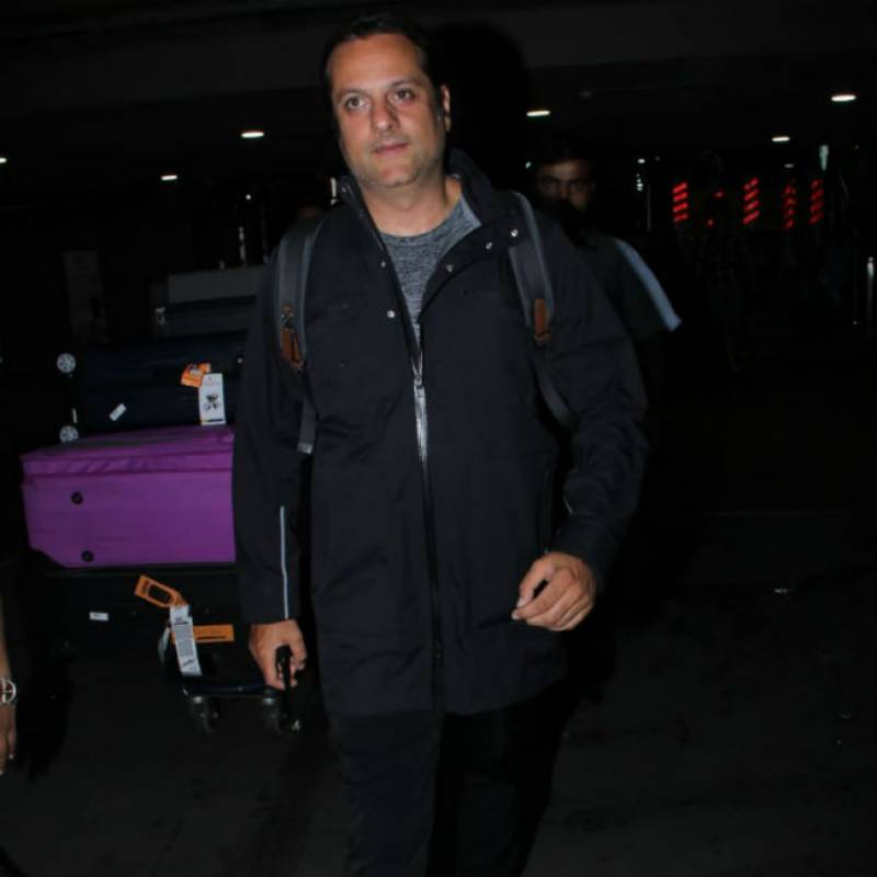 Fardeen Khan was last seen unrecognizable gaining rapid weight, appears in public with a new look