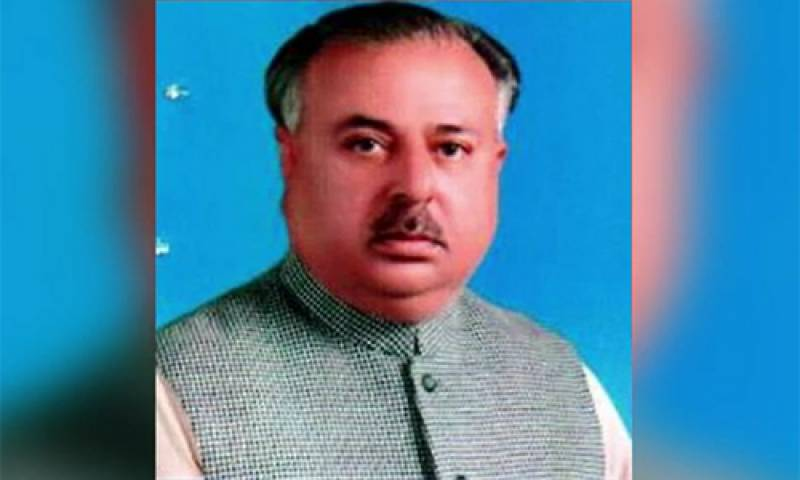 PTI candidate who used COAS, CJP's pictures on campaign posters allowed to contest polls
