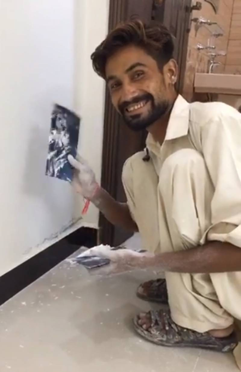 The painter made viral through social media is performing with Aima Baig on Independence Day