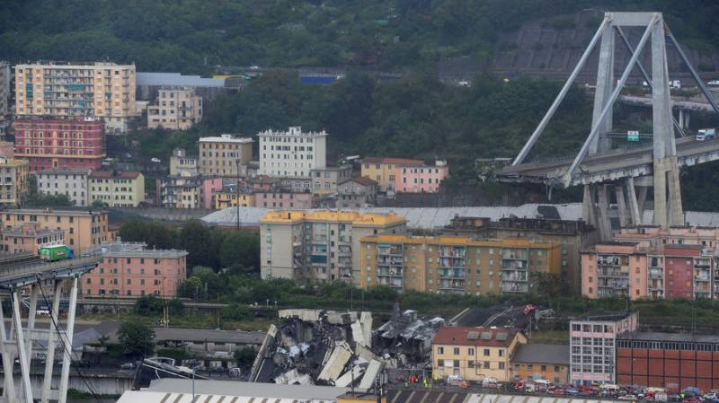 At least 35 killed as Italy motorway bridge collapses in Genoa (PHOTOS)