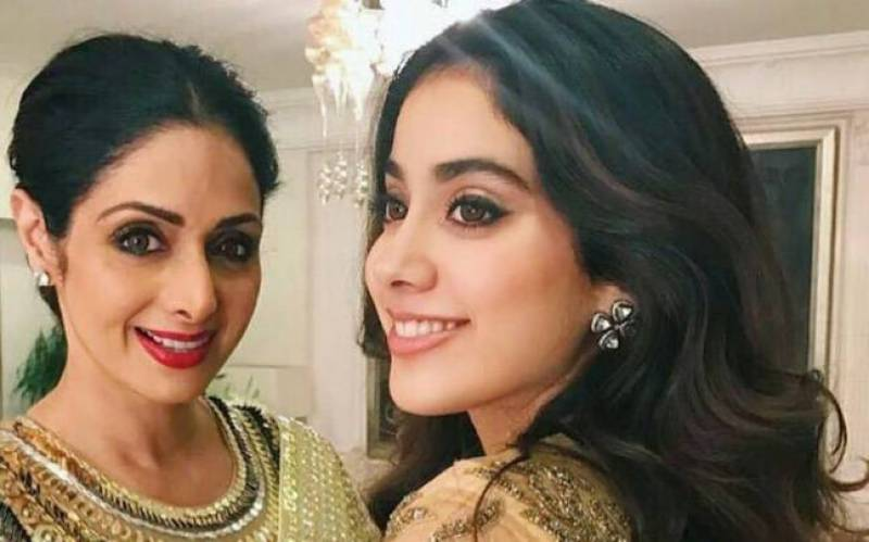 Janhvi Kapoor shares Sridevi's beauty routine with us and we cannot be more thankful!