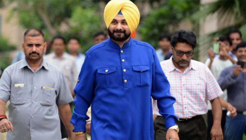 'Hindustan jeevay, Pakistan jeevay', Navjot Sidhu arrives in Pakistan for Imran's swearing-in