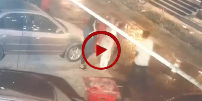 CCTV footage of snatching valuables from women in Karachi on Eid (VIDEO)