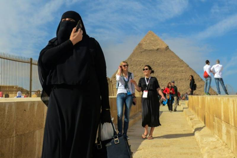Egypt president approves law clamping down on social media