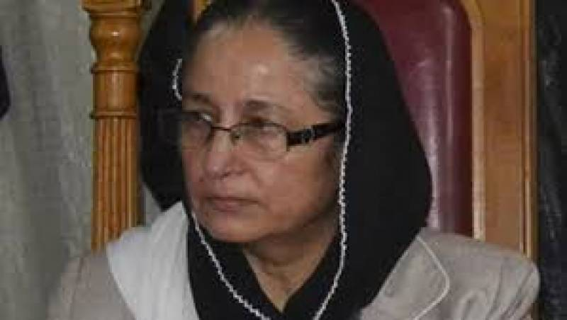 Justice Tahira Safdar opens the eyes and minds of young female lawyers through her consistence