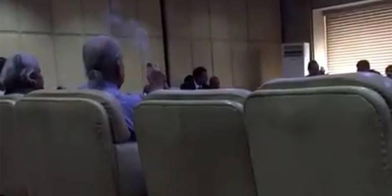 Senator Raza Rabbani 'enjoys' smoking at Senate meeting (Video)