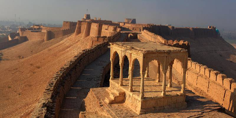 These 6 forts of Pakistan are a must visit once in your lifetime