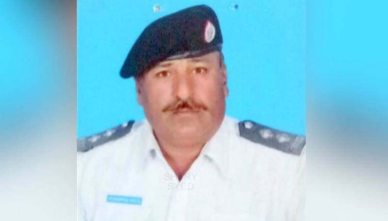 Traffic official killed in Karachi checkpost attack