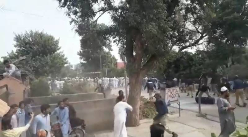 17 Peshawar University students injured in police baton charge