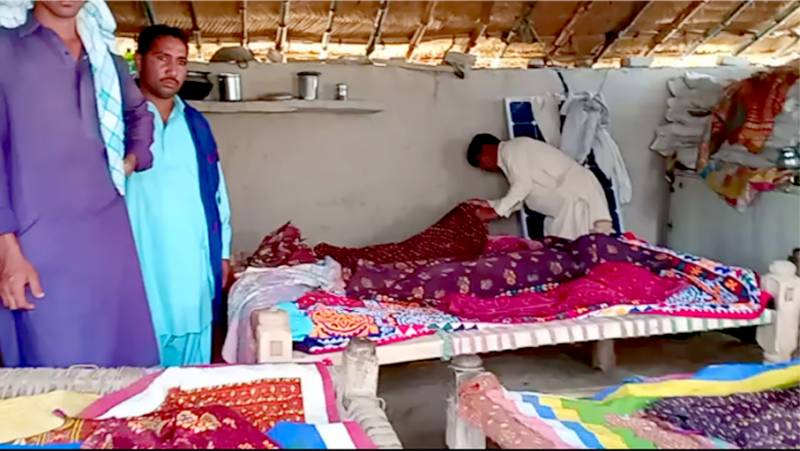 Sukkur: Nine of family including 6 children dead as wall collapses