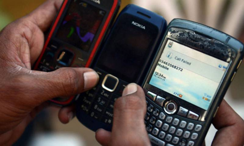 Mobile broadband users cross 61 mln mark by August