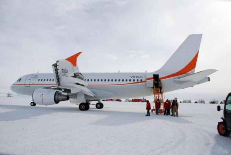 Australia's Antarctic Airbus to make first landing on sea-ice at Italian station